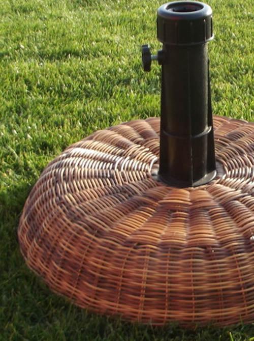Stojan na slnečník z umelého ratanu